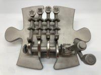4つの柱が動く金属パズル